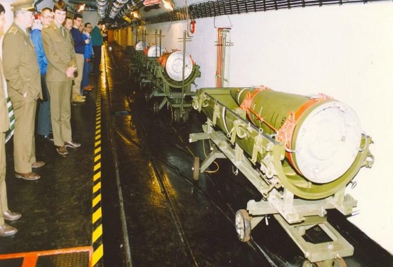 """Ядерная боеголовка к ракете 9М714Б1 она же """"Ока"""", списанная по договору о ликвидации РСМД"""