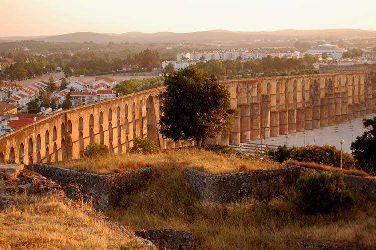 76_aquaduct_elvas.jpg