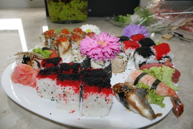 Доставка суши стремится удивить вас нашим качеством и оформлением заказа