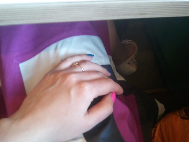 Чета решила вчера что-нибудь весёленькое на ногтях