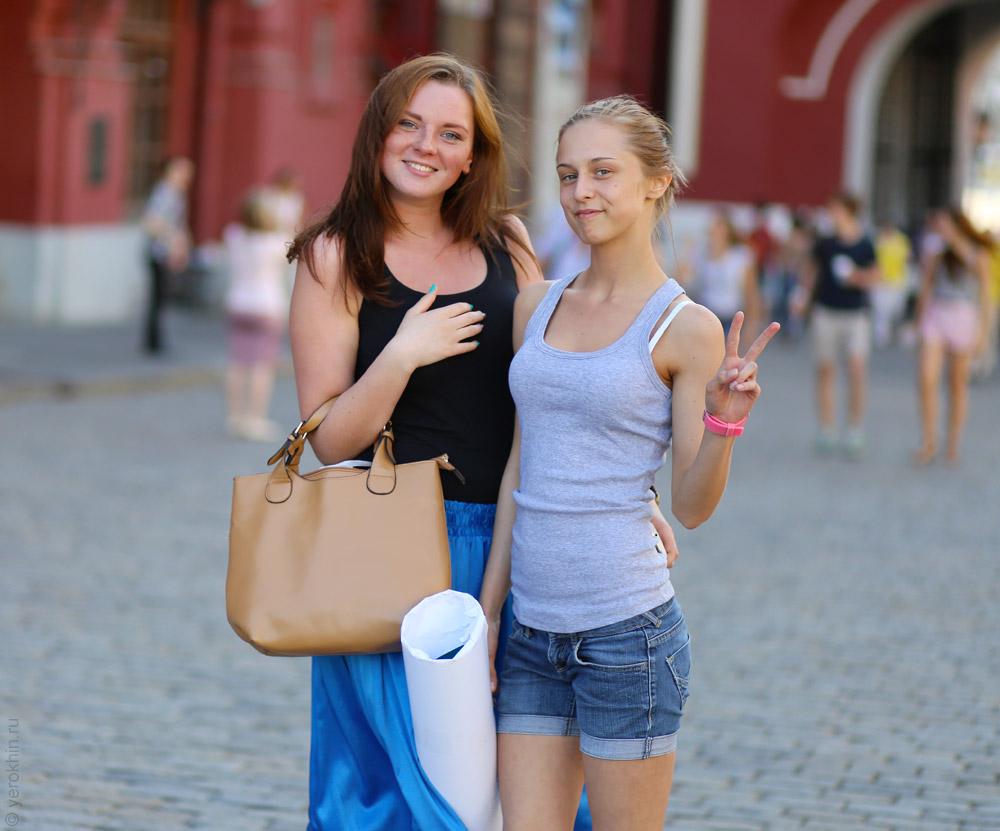 random-people-ohotny-ryad-aleksandrovsky-sad-kremlin-2013-06-05--27