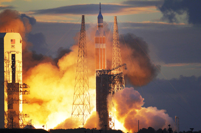 upload-2014-12-05T123613Z_1918610741_TB3EAC50ZE0C2_RTRMADP_3_SPACE-NASA-LAUNCH-pic668-668x444-31472