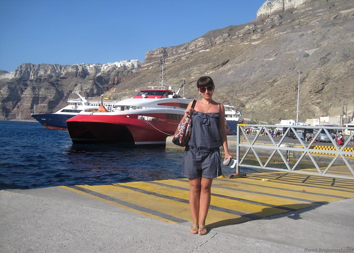 В порту Санторини