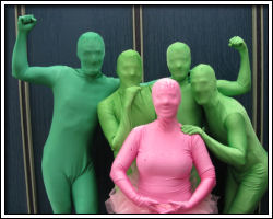 2010 Rose Festival - Green Men and a Little Lady