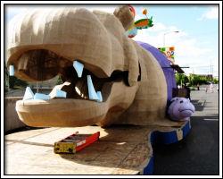 2010 Float Maneuverability - hippo float