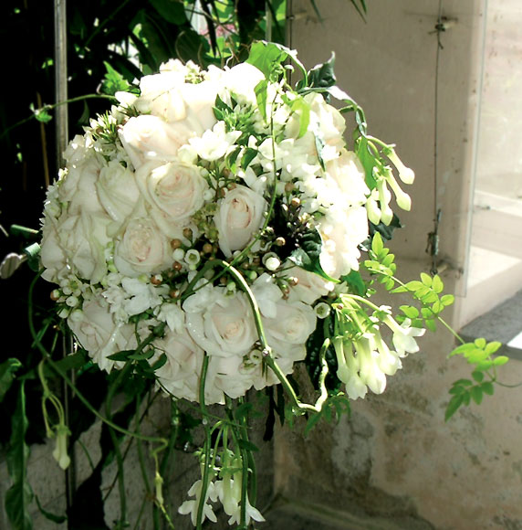 Букет Мэри Дональдсон на венчании с датским кронпринцем Фредериком, 2003г