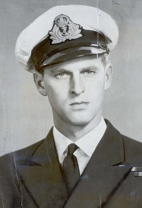 После Гордонстоуна — Королевский Военно-Моской флот, здесь 1939 г