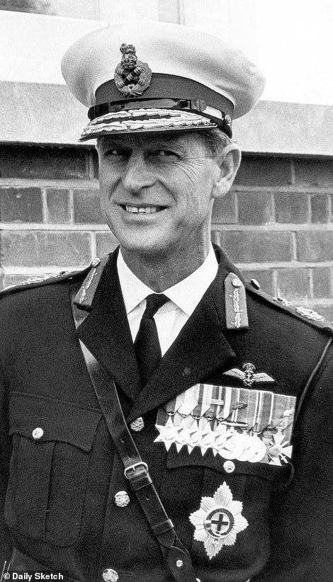 Филипп в морской форме, 1965 г.