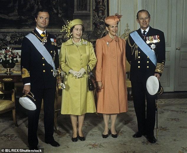 Многочисленные государственные визиты, здесь вместе с королевской парой Швеции, 1983 г.
