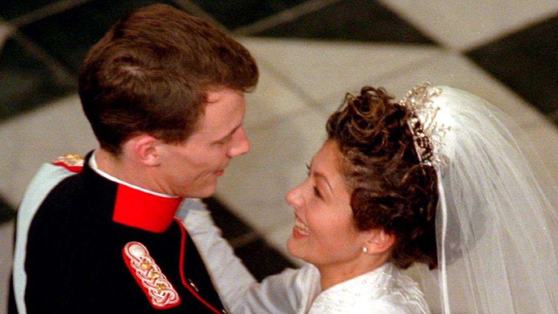 Первый брак Александры...