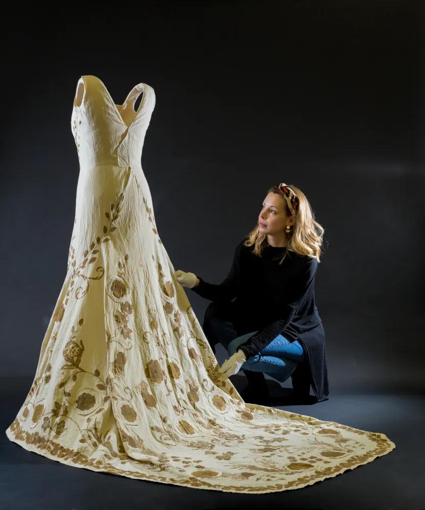 Туаль коронационного платья Елизаветы, королевы-консорта Георга VI