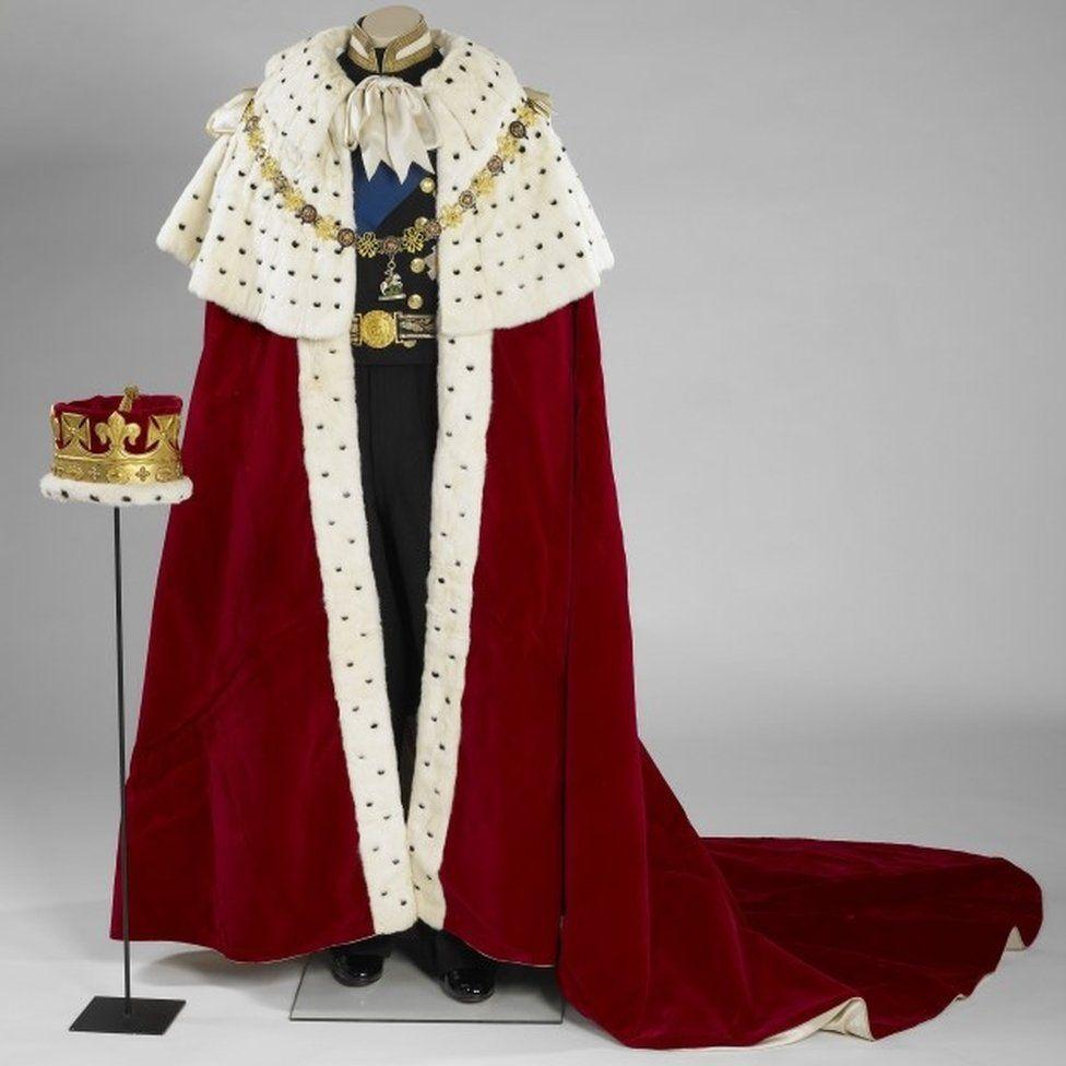 Мантия и корона (coronet) герцога, используемые во время коронации королевы Елизаветы
