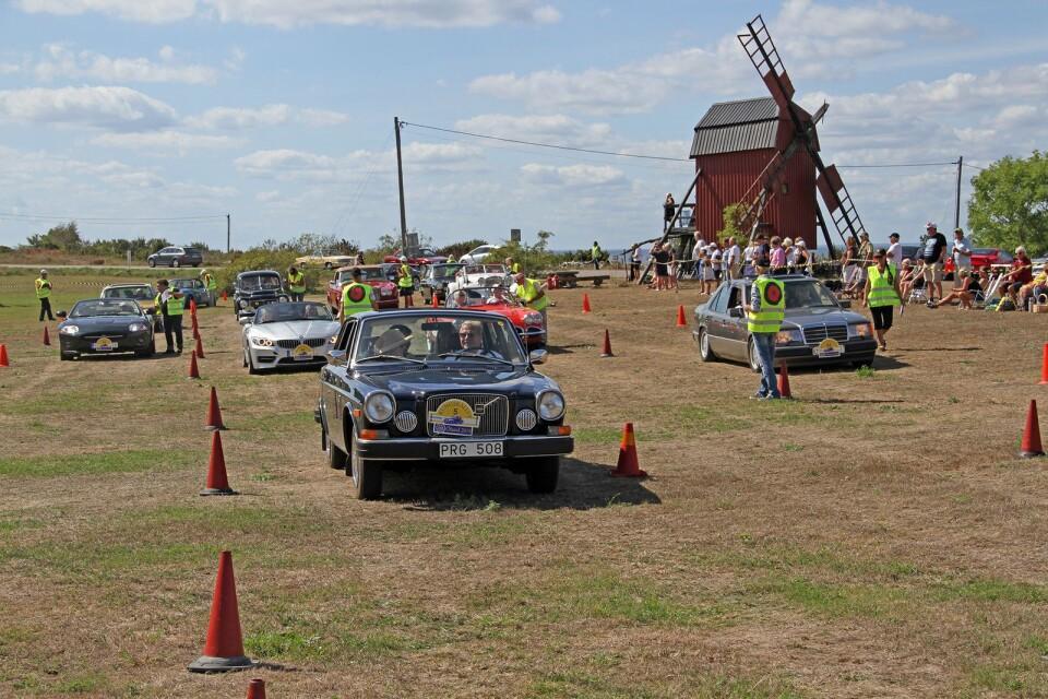 Соревнование проходит по территории средней и южной частей острова Öland, здесь — тренировка маневров в местечке Äleklinta