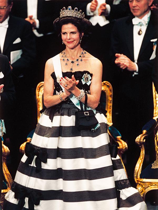 1993 г - платье от Дома Нины Риччи