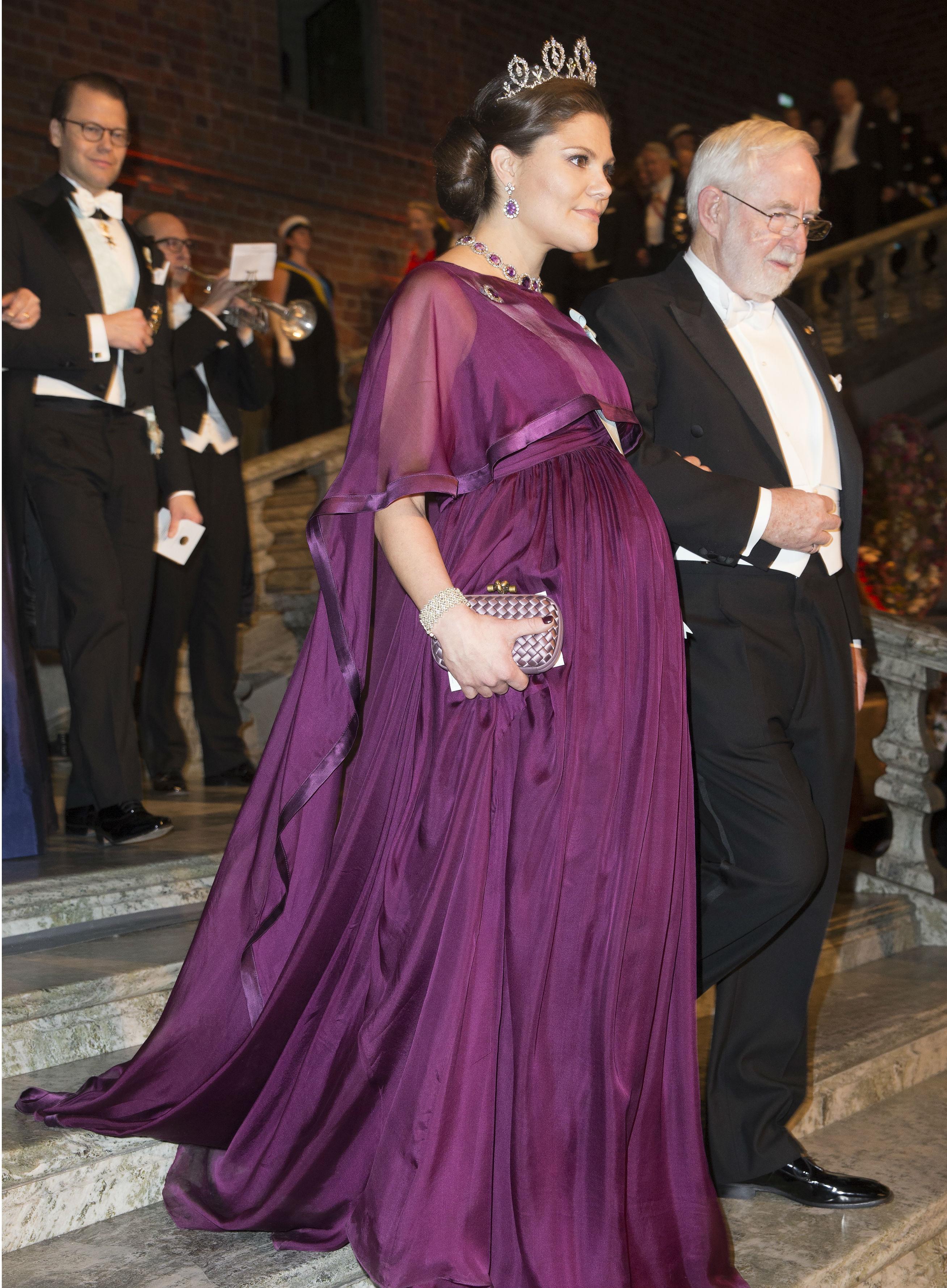 """2015 г .-  платье для """"мамы"""", создано Malin Andrén для марки By Malina, к нему - диадема принцессы Sibylla"""