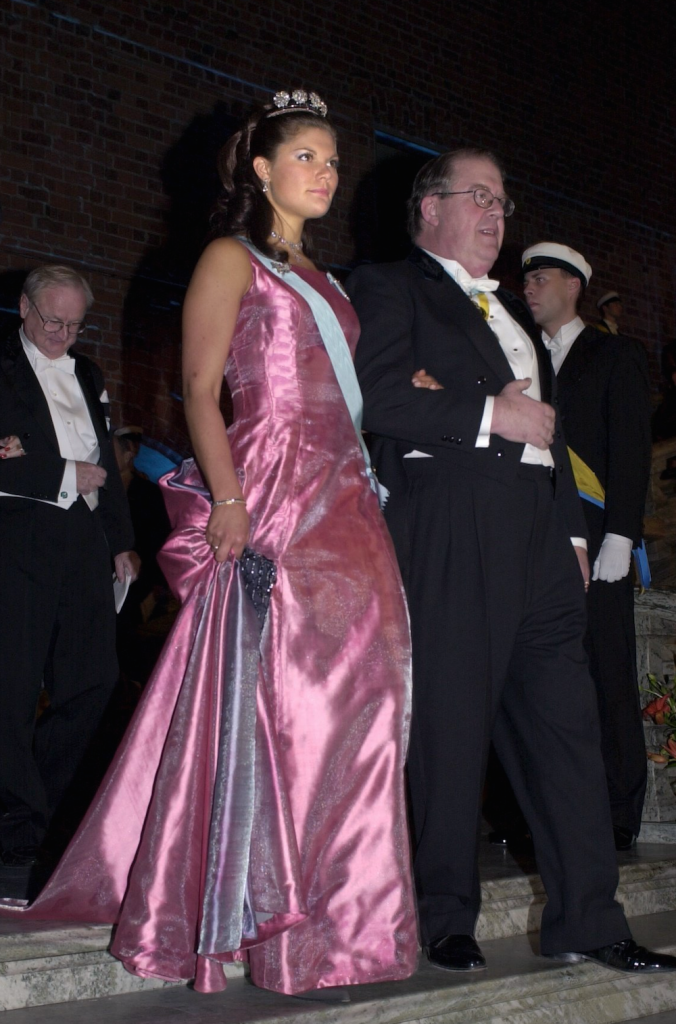 2000 г - платье из розового шёлкого сатина от  Lars Wallin