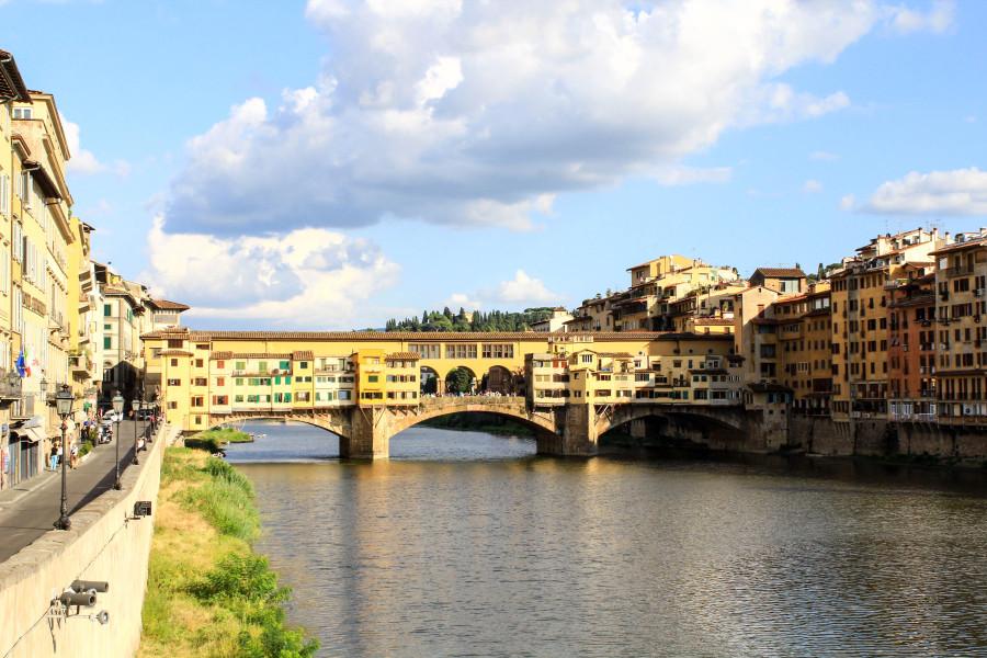 Понте Веккьо — самый старый мост Флоренции