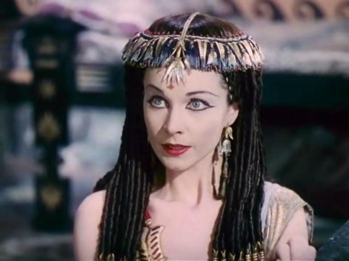 Кадр из фильма Цезарь и Клеопатра.jpg