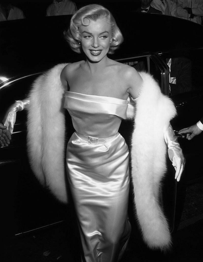 Мэрилин Монро на вечеринке в клубе Ciro's  - май 1953.jpg