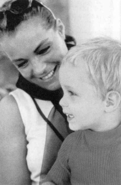 Роми с сыном - 1968.jpg
