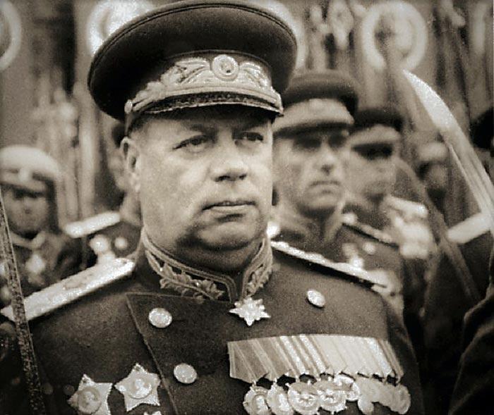 Fedor-Ivanovich-Tolbuhin-Parad-Pobedi.jpg