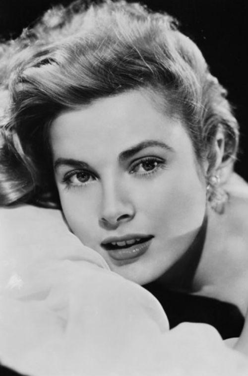 Грейс Келли - 1953.jpg