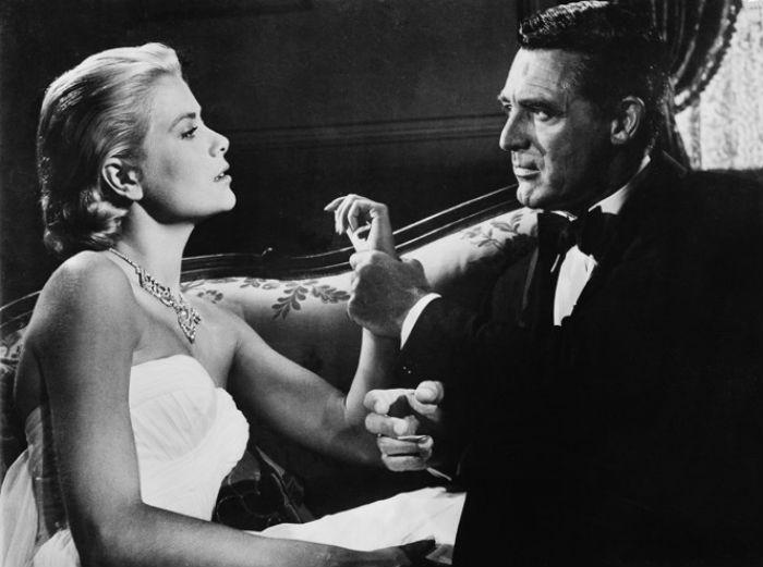 Кадр из фильма «Поймать вора» (1954) с Грейс Келли и Кэри Грантом.jpg