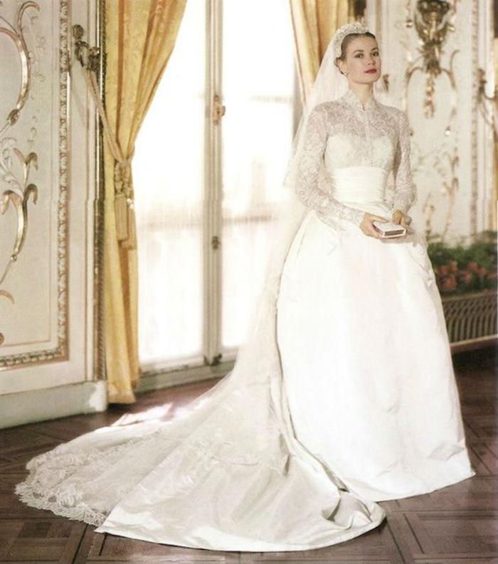 Grace-Kelly-wedding-dress-1.jpg