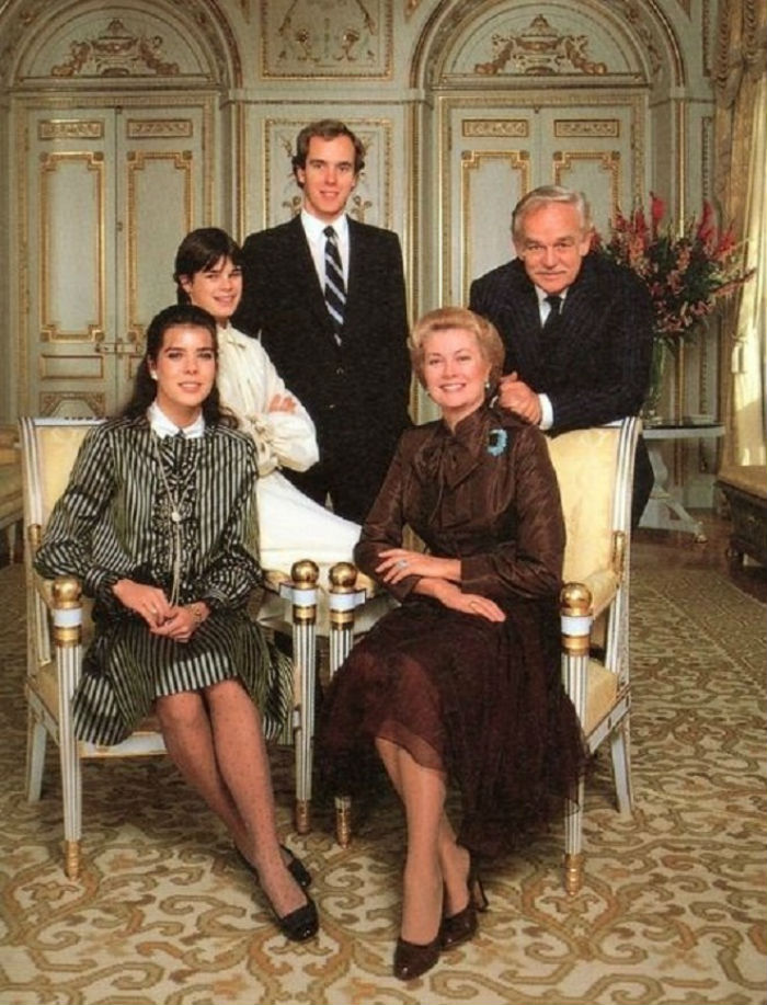 Князь Монако с семьёй 2.jpg