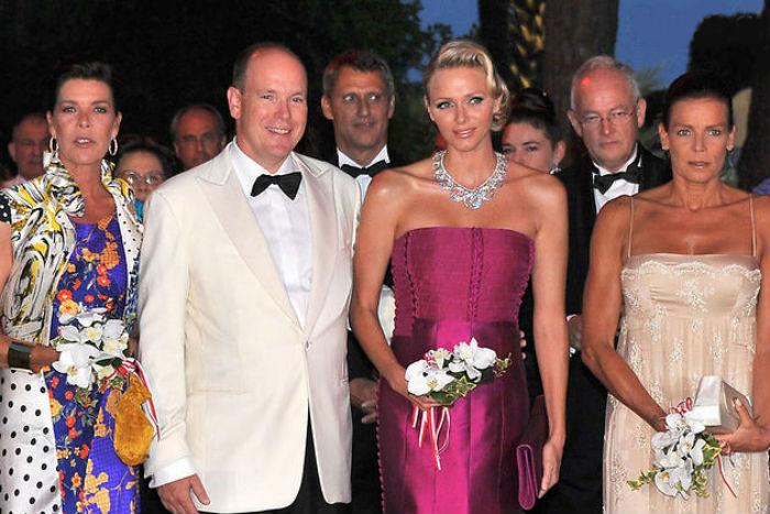 Принцесса Каролина - князь Альбер II - княгиня Шарлин - принцесса Стефания.jpg