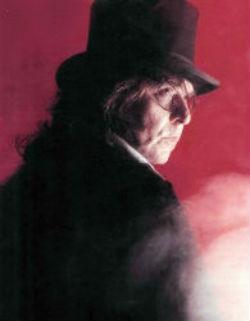 Рафаэль в роли доктора  Джекилла.jpg