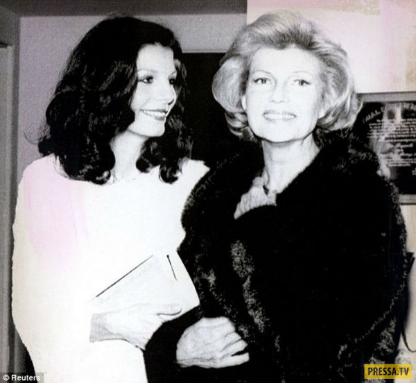 Рита Хейворд и её дочь Ясмин.jpg