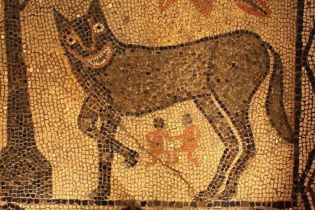 арт капитолийская волчица