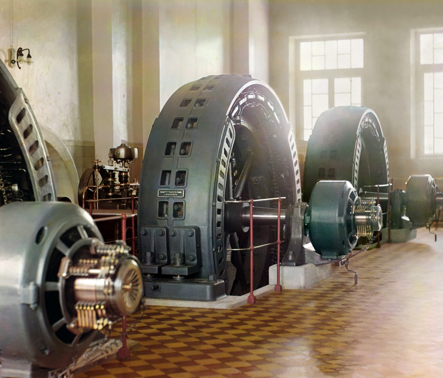 Mashinnyiy-zal-krupneyshey-v-dorevolyuts.-Rossii-Gindukushskoy-GE`S-moshhnostyu-135-Mvt-1350-ket-na-r.-Murgab-Turkmeniya.-Eyo-stroitelstvo-zavershilos-v-1909