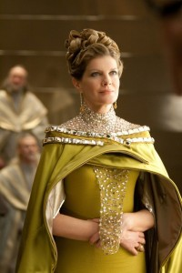 Rene-Russo-as-Frigga
