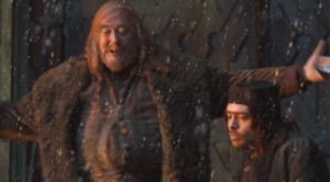 STEPHEN-FRY_LAKETOWN_HOBBIT_DESOLATION-OF-SMAUG_