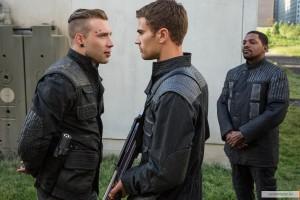 kinopoisk.ru-Divergent-2372902