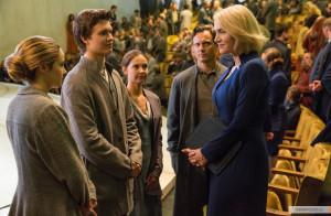 kinopoisk.ru-Divergent-2372930