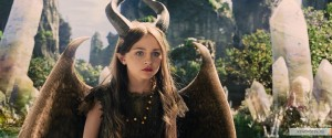 kinopoisk.ru-Maleficent-2410564