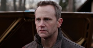 Lee-Tergesen-in-The-Americans-Season-2-Episode-13