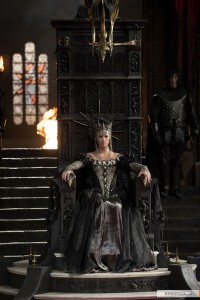 kinopoisk.ru-Snow-White-and-the-Huntsman-1897601