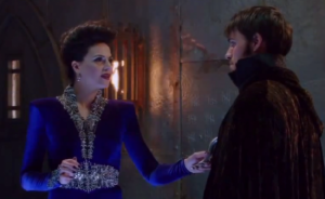 Once-Upon-a-Time-Queen-of-Hearts-Regina-and-Hook-strike-a-deal-550x338
