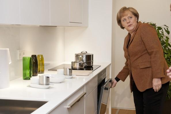 Angela+Merkel+Merkel+Inaugurates+Energy+Efficient+svWML9w566Ql