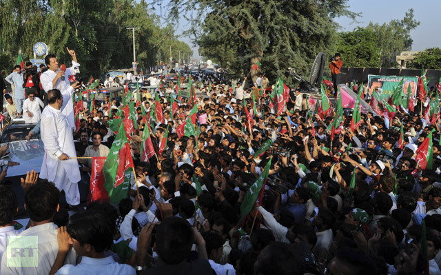 imran-head-tehreek-e-insaf-march