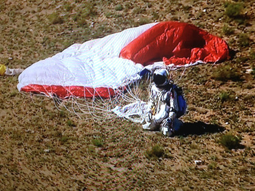 austria-jumping-air-baumgartner.n