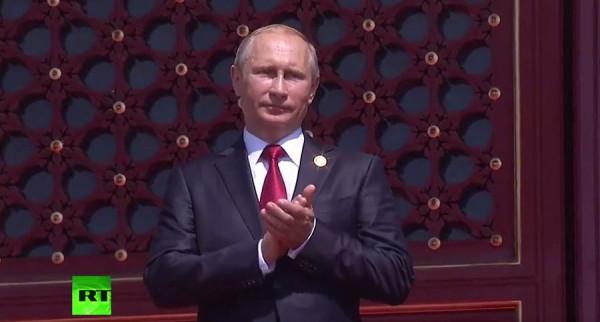 Владимир Путин принял участие в параде в честь 70-летия победы китайского народа в войне с Японией