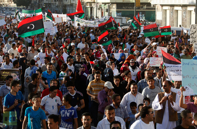 protesters-benghazi-thousands-support