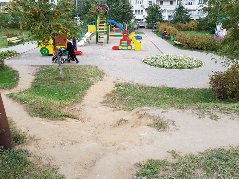 Двор у д. 4, к. 1 по  ул. Гурьянова. Фото: Рустам Билялов