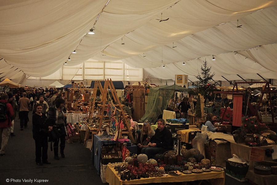 Рождественский рынок в Праге. Павильон.
