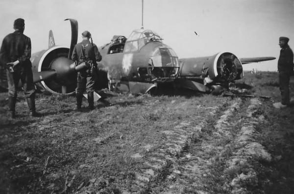 Ju_88_A-0_A-1_WNr_3065_KG51_Edelweiss_West_front_1940.jpg